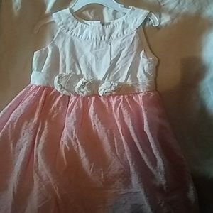 A dress for girls size 4